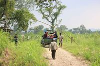 Nepal Royal Chitwan Nationalpark Jeep Safari 20.000 Seen