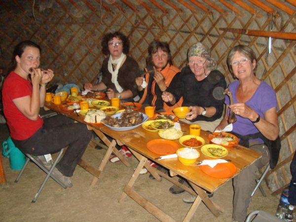Abendessen während der Rundreise Mongolei