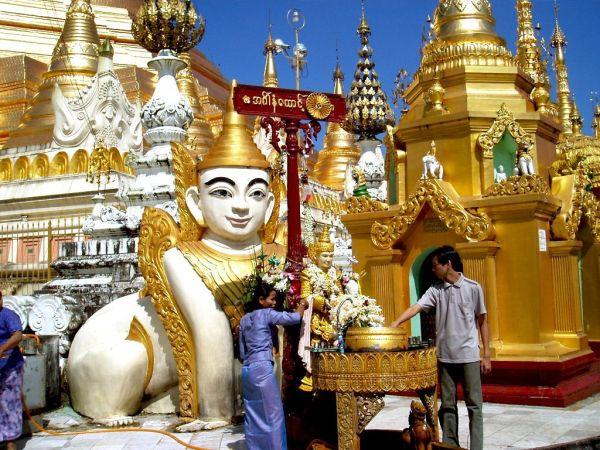 Myanmar Yangon Shwedagon Pagode Schrein